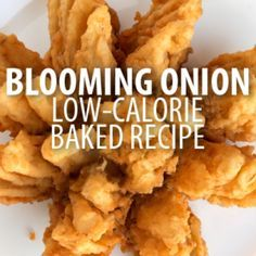 Craving a fried blooming onion? Dr Oz enlisted Todd Wilbur to make over another restaurant favorite with this low-calorie Healthy Blooming Onion Recipe. Baked Blooming Onion, Blooming Onion Recipes, Diet Recipes, Cooking Recipes, Healthy Recipes, Copycat Recipes, Recipies, Yummy Appetizers, Appetizer Recipes