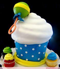 GIANT cupcake! Mmmmm!!