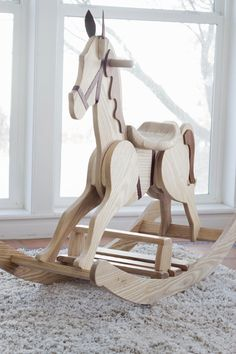 DIY Rocking Horse do it yourself divas: DIY Rocking Horse Rocking Horse Plans, Wood Rocking Horse, Rocking Chair, Wooden Horse, Wooden Baby Toys, Wood Toys, Horse Pattern, Horse Crafts, Diy Holz
