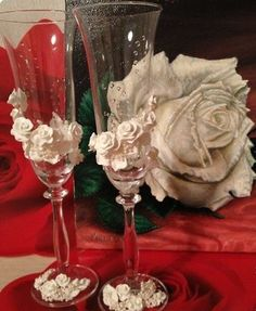 How to DIY Wedding Champagne Glasses with Polymer Clay Roses - Cool Creativity: