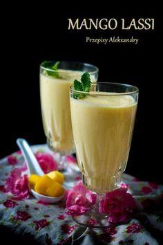 Mango Lassi (Azjatycki koktajl z mango). Smoothie Drinks, Healthy Smoothies, Mango Lassi, Breakfast Options, Fruits And Veggies, Raw Food Recipes, Food And Drink, Vegetarian, Sweet