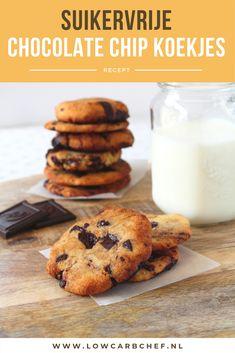 Als je dit recept voor suikervrije chocolate chip koekjes hebt geprobeerd wil je nooit meer anders! De koekjes zijn smeuïg van binnen en krokant van buiten. #koolhydraatarm #suikervrij #koekjes #chocolade Healthy Cake, Healthy Desserts, Veggie Cakes, Low Carb Sweets, Keto Snacks, High Tea, Low Carb Recipes, Good Food, Food And Drink
