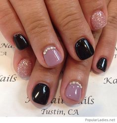 short-gel-nails-on-black-and-ligh-purple