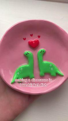 Clay Art Projects, Ceramics Projects, Pottery Painting, Pottery Art, Keramik Design, Clay Plates, Ideias Diy, Cute Clay, Fun Diy Crafts