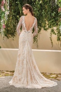 New dress alert!!! I know many of bride-to-be come to @bridesbyliza looking for the dress with sleeve, or they want us to build up sleeve but here is the perfect dress!! Beautiful chantilly lace with chapel train. Call us for more detail. 310-662-2218 #newdress #newweddingdress #weddinggown #weddingdress #bride #bridetobe #bridalgown #bridalfashion #soontobebride #wedding #lawedding #bridesbyliza #beverlyhills #lacedress