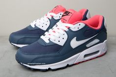 Nike Air Max... Pretty sure I need to go on Nike.com and make me a pair of these!