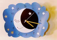reciclagem com cd e pet- Mercedes Cohen- Cd Crafts, Crafts For Kids, Arts And Crafts, Clock Craft, Diy Clock, What Is Parenting, Cute Clock, Clock For Kids, School Frame