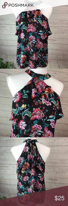 Monteau Florals Top Size Medium Great condition  Non smoke fast shipping Monteau Tops Blouses