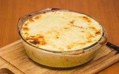 Polenta concia - La polenta concia è uno dei piatti più conosciuti della cucina valdostana. Molto adatta  a giornate fredde, è conosciuta anche come Polenta, Tortellini, Antipasto, Couscous, Gnocchi, Biscotti, Italian Recipes, Food And Drink, Appetizers