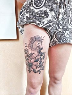 Tattoo Drawings, I Tattoo, Unicorn Images, Unicorn Tattoos, Girl Tattoos, Tatoos, Dragon Tattoo Designs, Cute Unicorn, Flower Tattoos