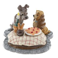 LADY AND THE TRAMP DINING LE SALT AND PEPPER SHAKERS...this was my favorite Disney movie as a kid