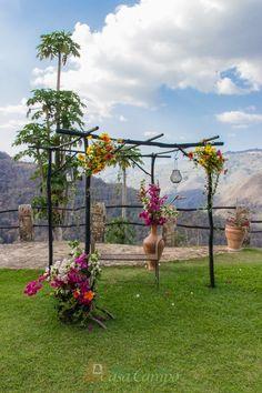¿Que es lo que necesitas para tu Boda Rústica? Flores, Madera, Verde... Y los más bellos paisajes de fondo