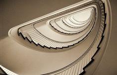 Винтовые лестницы мира (25 фото) - NewsUkraine (Фото 16)