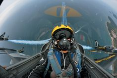 There is not long left to win a flight with #FlyBreitling2014 ! Simply upload your video on Breitling Facebook page Facebook.com/Breitling