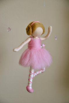 Waldorf inspired needle felted doll mobile: Ballerina by MagicWool ♡ Wool Dolls, Felt Dolls, Diy Arts And Crafts, Felt Crafts, Wet Felting, Needle Felting, Baby Dekor, Felt Angel, Ballerina Doll