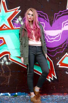 #pinkhair #longhair #fasion #ootd #blogger #beautyhair #colorista #loreal #springoutfit #women