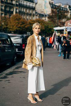 Paris SS 2020 Street Style: Caroline Daur - Street Fashion Trends and Beauty Tips Street Style Chic, Spring Street Style, Street Style Women, Fashion 2020, Daily Fashion, Fashion Photo, Fashion Trends, Style Fashion, Fashion Tips
