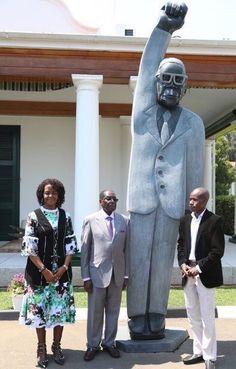 92-летний президент Зимбабве поставил себе памятник