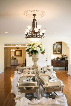 Beautiful Buffet Centerpiece #thompsonhouseandgardens #flowersbyon