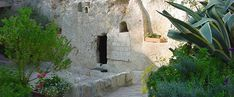Where was Jesus Crucified, Buried and Resurrected?  In a prior year I wrote a post about my wife, Lynn, and I going to the Holy Land and viewing the two sites that are the prime candidates for the answers to the questions about the location of Jesus' crucifixion, burial and resurrection.  It was a fascinating and solemn time of reflection.  Its worth your time to read it and watch the CBN HD video either for the first time or once again this year.