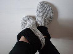 like this one FREE Raggsockor Slipper Knitting Pattern / Tutorial Crochet Socks, Knit Or Crochet, Knitting Socks, Knitting Patterns Free, Knit Patterns, Free Knitting, Knitted Booties, Knitted Slippers, Knitting Accessories