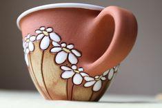 Ideas for mugs / Ideas para tazas Porcelain Mugs, Ceramic Cups, Ceramic Art, Pottery Mugs, Ceramic Pottery, Pottery Art, Pottery Painting, Ceramic Painting, Baking Clay