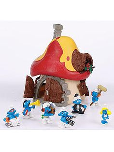 I LOVED the smurfs! I had the whole set, houses and every smurf available! Don't ever know what happened to them, :-(