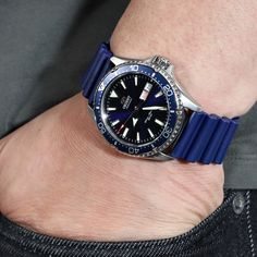 💙Too Much Blue?😎  Ref: FKM02B-22A20BBU65   Head over to Strapcode.wordpress.com for more    #Strapcode  #MiLTAT  #IwantStrapcode   #watchmods #orientwatch #Kamasu #AA0002L19 #automaticwatch #diverwatch #watchfam #wristporn #wotd Watch Companies, Watch Brands, Watch Strap Replacement, Orient Watch, Seiko 5 Sports, Rubber Watches, Audemars Piguet, Black Rubber, Automatic Watch