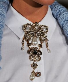 #Collar #Brooche