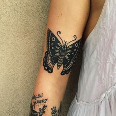 A butterfly for my beautiful friend @hollykbarrow . So good to see you and your Mum today!! Gonna miss you both