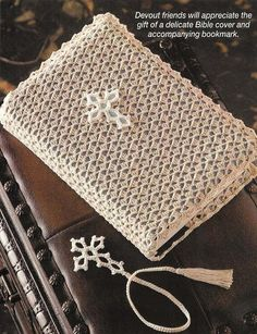 No longer available but very pretty cover and book mark. crochet Bible cover with bookmark Filet Crochet, Crochet Cross, Crochet Home, Thread Crochet, Crochet Gifts, Crochet Yarn, Crochet Stitches, Crochet Bookmark Pattern, Crochet Bookmarks