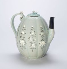 Ewer with Stylized Lotus Flowers and Chrysanthemums, Goryeo dynasty (918-1392), late 12th century