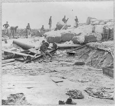 Civil War photo of Confederate fortifications at Yorktown, VA