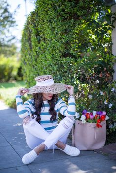 Comfy sneakers are perfect for springtime strolling. Loving this pretty @keds1916 striped pair from @zappos. #ad #kedsstyle #zapposstyle #ladies first