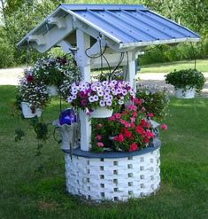 Garden Yard Ideas, Diy Garden Projects, Garden Crafts, Diy Garden Decor, Lawn And Garden, Garden Planters, Garden Art, Garden Beds, Wishing Well Garden