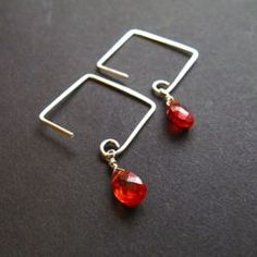 Learn to make beautiful square or diamond earwires quickly and easily using a special jewelry making tool.