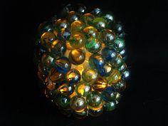 Jak wykonać lampion ze szklanych kulek - Pomysły plastyczne dla każdego
