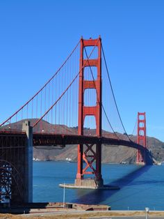 Tips to find the perfect place to take your Golden Gate Bridge photos: http://www.sftourismtips.com/golden-gate-bridge-photos.html