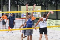 Ukraine's Mykola Babich (white) against the Ingrosso brothers from Italy