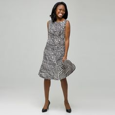 Top 10 Dress Styles for Women Over 50     1: FULLER SKIRT  Dresses that are fitted on top and flare on bottom (ie, an A-line) are a flattering choice for most older women.