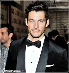 David Gandy at the GQ Men of the Year Awards September 2012 Traje Black Tie, Black Tie Tuxedo, Black Tie Affair, Tuxedo For Men, David Gandy, Traje A Rigor, Famous Male Models, Androgynous Models, Gq Men
