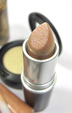 MAC Cosmetics Dazzle Lipstick in Smash Hit