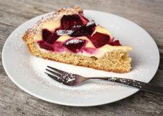Slivkový koláč s tvarohom - recept postup 8 Ale, French Toast, Cheesecake, Breakfast, Desserts, Food, Morning Coffee, Meal, Ale Beer