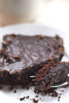 """The Pioneer Woman's """"Best Chocolate Sheet Cake"""" {chocolate, moist, fudgey & simple to make for a crowd!}"""