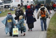 LEONHARD FOEGER / REUTERS Difficult to cross HUNGARY for Syrian refugees September 11th 2015