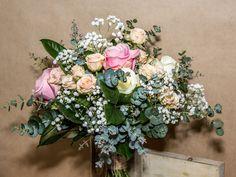 rosas rosas http://www.pecci.es/producto/ramo-de-rosas-variadas/