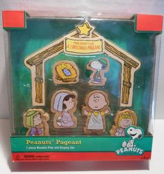 Peanuts Christmas Pageant Wooden Play Set Nativity Charlie Brown Snoopy ~ NEW
