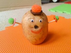 If your kids are into Mr. Potato Head, or maybe they don't have one, making this homemade potato man is fantastic! What a great way to get kids talking! Toddler Learning Activities, Craft Activities For Kids, Projects For Kids, Diy For Kids, Crafts For Kids, Potato Man, Mr Potato Head, Potato Heads, Man Crafts