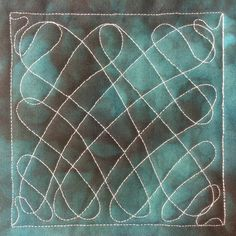 Learn how to quilt Wiggly Pasta - a very easy, beginner level free motion quilting design. http://freemotionquilting.blogspot.com/2014/02/427-free-motion-quilt-wiggly-pasta.html