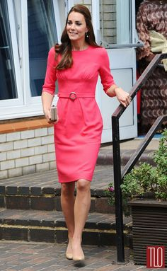 Kate-Middleton-Catherine-Duchess-Cambridge-Goat-Blessed-Sacrament-School-Tom-Lorenzo-Site-TLO (1)